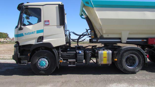http://tp-parant.com/wp-content/uploads/2016/09/520-4x4-vue-coter-conducteur-uniquement-tracteur-628x353.jpg